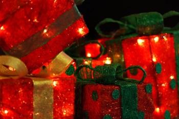 Christmas presents [photo via pixabay]