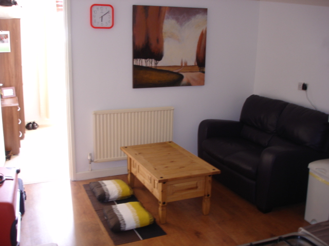 Photograph of One Bedroom Flat, Richmond Road, Roath, Cardiff